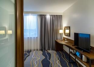 Hotel_-1