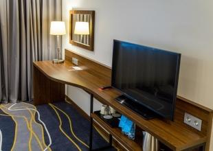 Hotel_-2